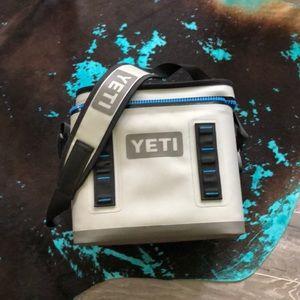 YETI Hopper Flip 8 soft cooler